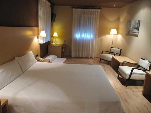 __{offers.Best_flights}__ Hotel Santuario de Arantzazu