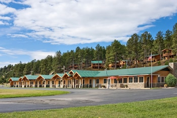 Hotel - Rock Crest Lodge And Cabins