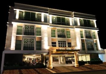 Hotel - Makati Crown Regency Hotel