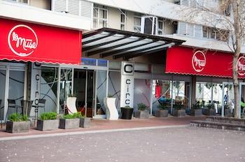 Hotel - Circa On The Square Hotel