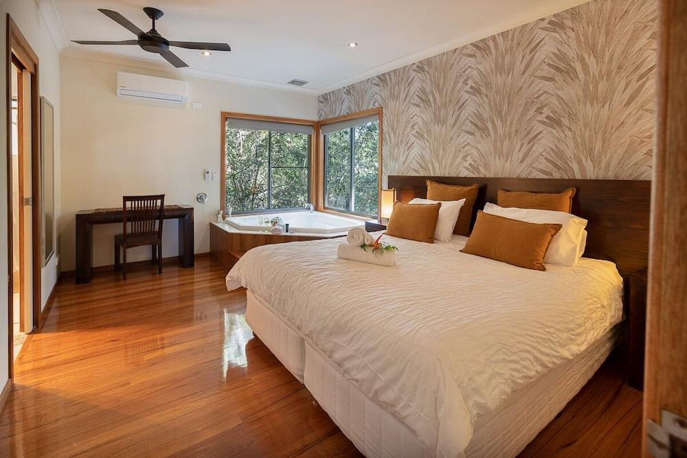 https://i.travelapi.com/hotels/3000000/2230000/2223200/2223109/7bbded3c_z.jpg