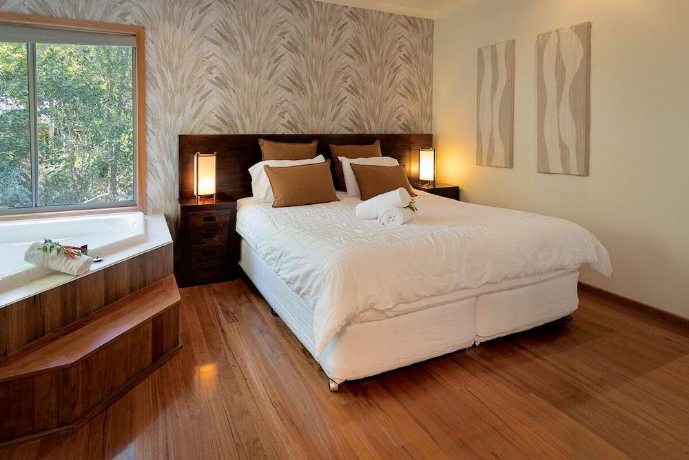 https://i.travelapi.com/hotels/3000000/2230000/2223200/2223109/fd26080e_z.jpg
