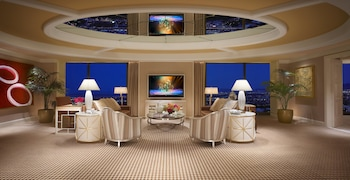 Encore Tower Suite Salon