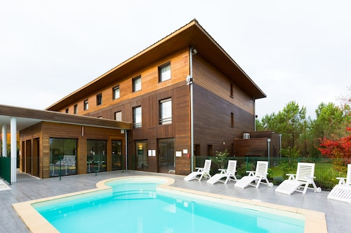 __{offers.Best_flights}__ Hotel All Suites Le Teich