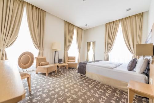 . Buda Castle Hotel