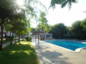 클럽 시우다델라 아파트호텔(Club Ciudadela Aparthotel) Hotel Thumbnail Image 18 - Outdoor Pool