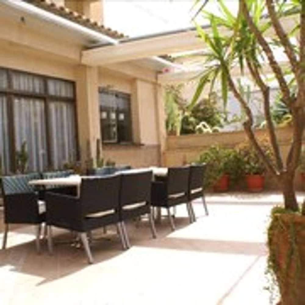 Apartamentos Isla del Sol, Featured Image