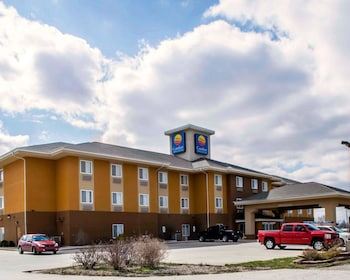 Comfort Inn & Suites Greenville IL - Featured Image  - #0