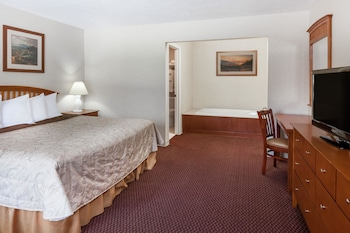 Deluxe Room, 1 King Bed, Non Smoking