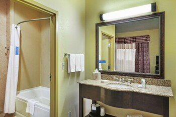Studio Suite, 1 King Bed, Jetted Tub