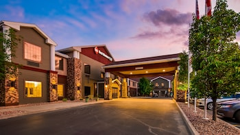 Best Western Plus Victor Inn & Suites photo