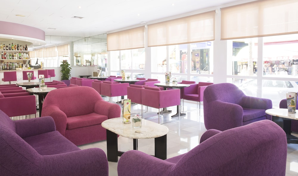 JS 솔데칸 피카포트 - 어른 전용(JS Sol de Can Picafort - Adults Only) Hotel Image 20 - Hotel Bar