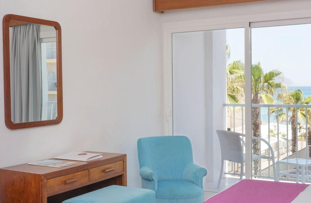 JS 솔데칸 피카포트 - 어른 전용(JS Sol de Can Picafort - Adults Only) Hotel Image 4 - Guestroom