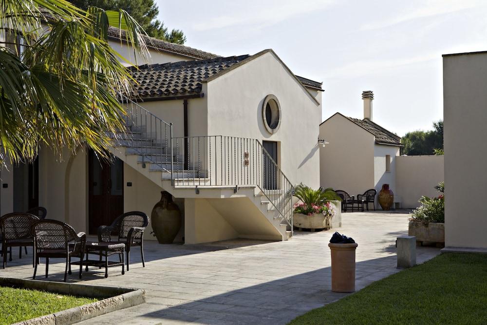 마세리아 파나레오(Masseria Panareo) Hotel Image 104 - Courtyard