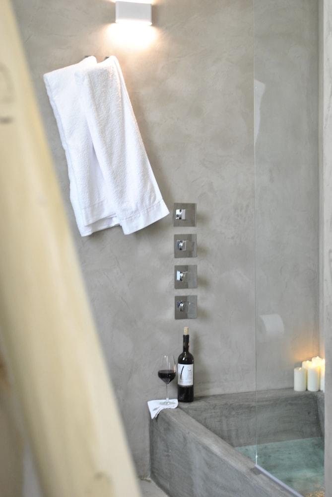 마세리아 파나레오(Masseria Panareo) Hotel Image 46 - Bathroom