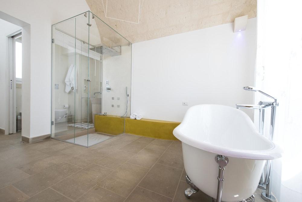 마세리아 파나레오(Masseria Panareo) Hotel Image 63 - Bathroom