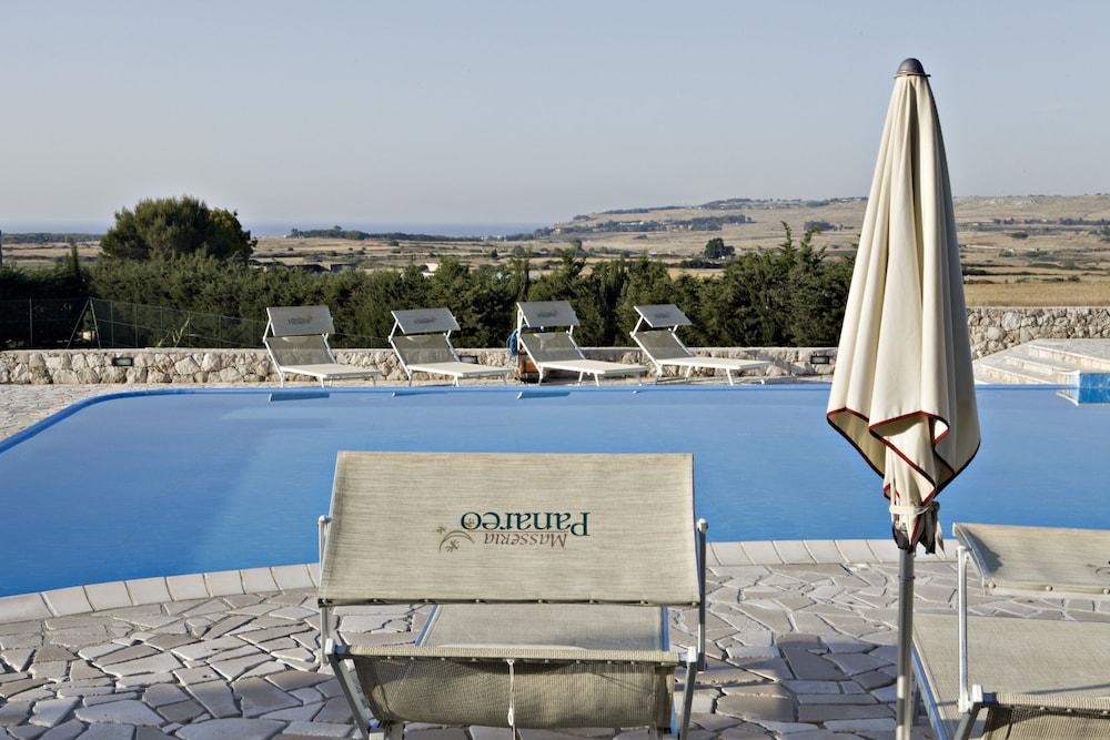 마세리아 파나레오(Masseria Panareo) Hotel Image 5 - Pool
