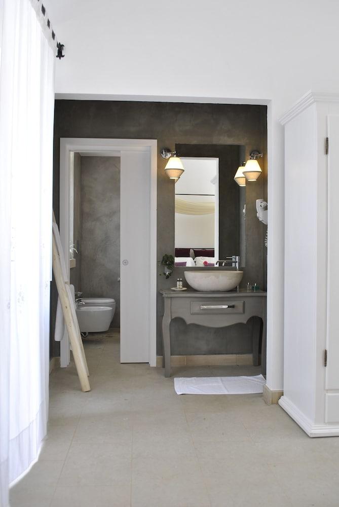 마세리아 파나레오(Masseria Panareo) Hotel Image 52 - Bathroom