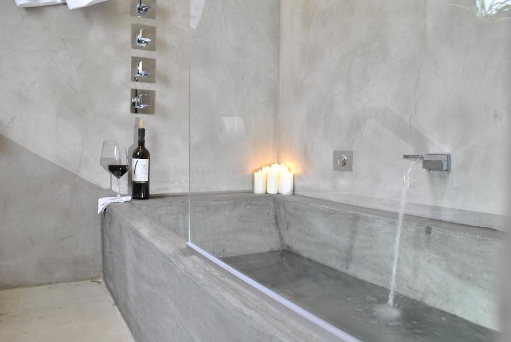 마세리아 파나레오(Masseria Panareo) Hotel Image 67 - Jetted Tub