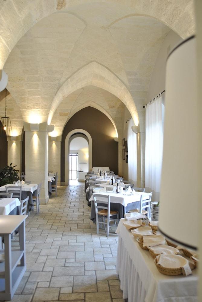 마세리아 파나레오(Masseria Panareo) Hotel Image 87 - Food Court