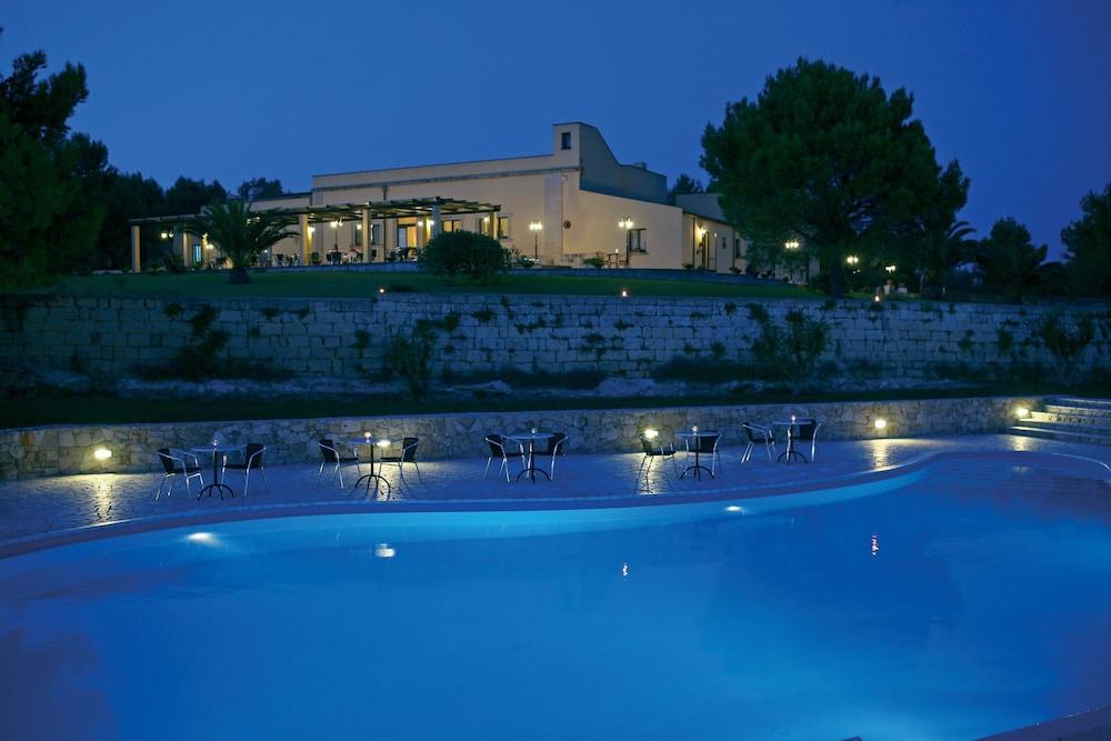 마세리아 파나레오(Masseria Panareo) Hotel Image 8 - Pool
