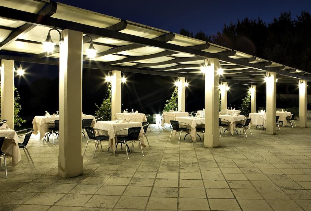 마세리아 파나레오(Masseria Panareo) Hotel Image 108 - Outdoor Dining