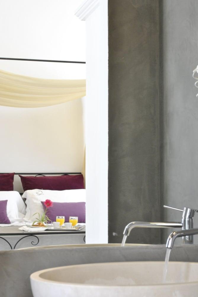 마세리아 파나레오(Masseria Panareo) Hotel Image 60 - Bathroom