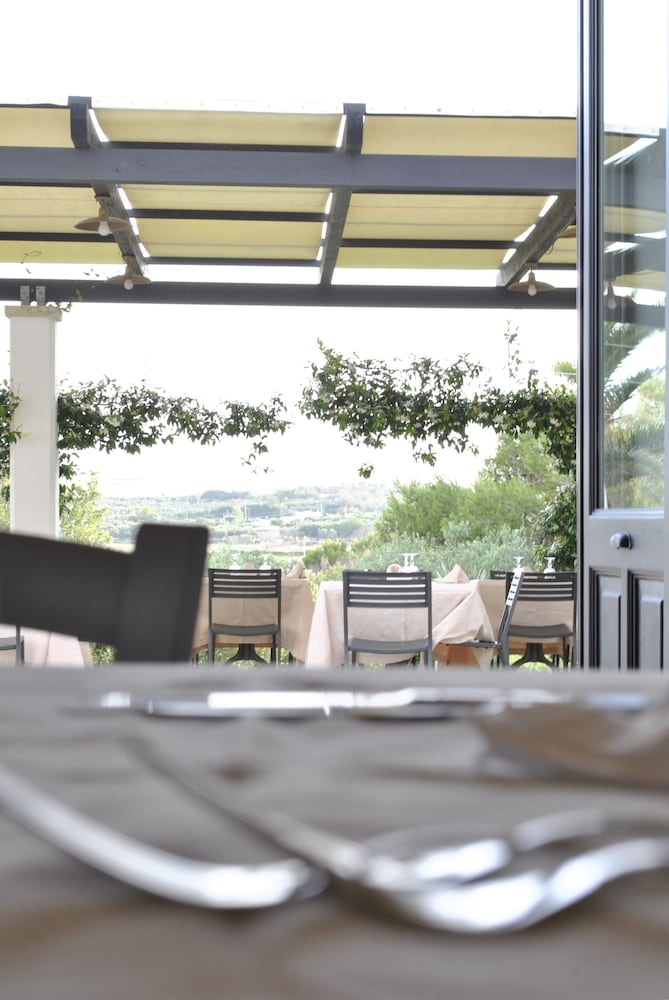 마세리아 파나레오(Masseria Panareo) Hotel Image 90 - Food Court