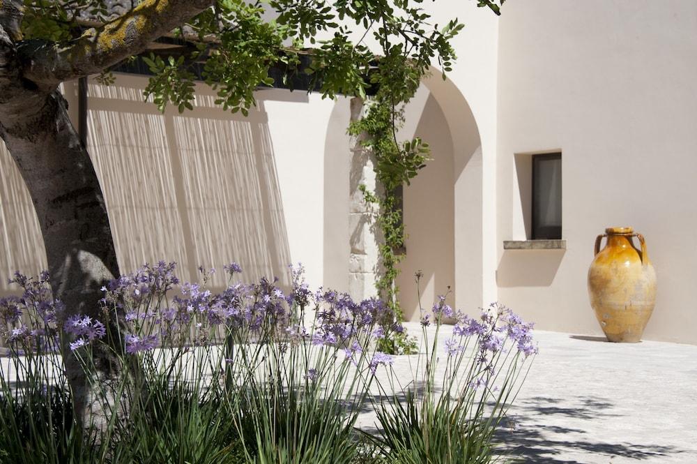 마세리아 파나레오(Masseria Panareo) Hotel Image 107 - Courtyard
