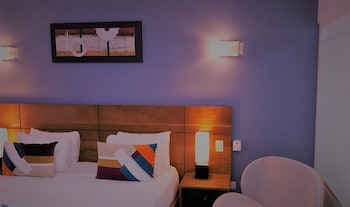 Luxury Room, 1 King Bed, Pool Access, Courtyard Area