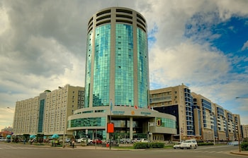 Diplomat Hotel & Business Center