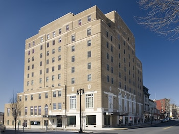 Hotel - Grand Eastonian Hotel & Suites