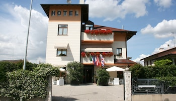 Hotel - Small Hotel Royal
