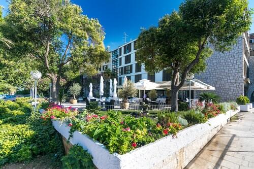. Hotel Jadran