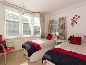 "Double Room, Ensuite (Super King bed - ""Poppy Room"")"