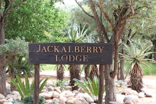 . Jackalberry Lodge