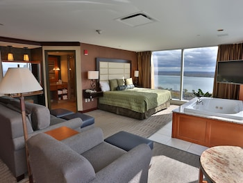 Corner Suite, 1 King Bed, Jetted Tub