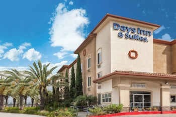 Hotel - Days Inn & Suites by Wyndham Anaheim Resort