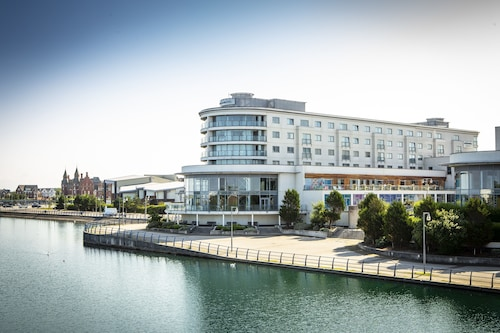 . Bliss Hotel Southport, Trademark Collection by Wyndham