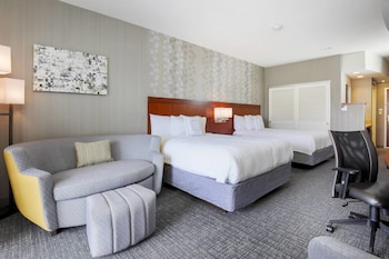 Guestroom at Courtyard by Marriott Dallas Arlington South in Arlington
