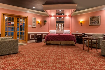 Guestroom at Inn of the Dove Romantic Luxury & Business Suites in Bensalem