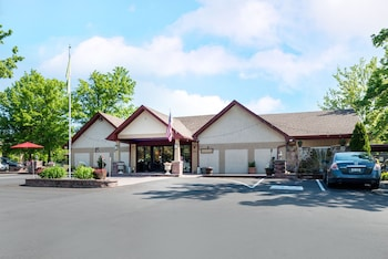 Street View at Inn of the Dove Romantic Luxury & Business Suites in Bensalem