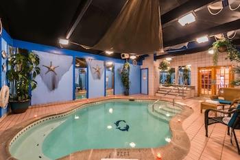 鴿子浪漫套房旅館 - 附按摩浴缸和壁爐 Inn of the Dove Romantic Suites with Jacuzzi & Fireplace