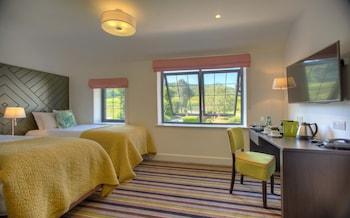Premier Triple Room, Ensuite, Vineyard View