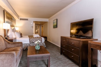 Standard Room, 1 King Bed, Patio, Partial Sea View