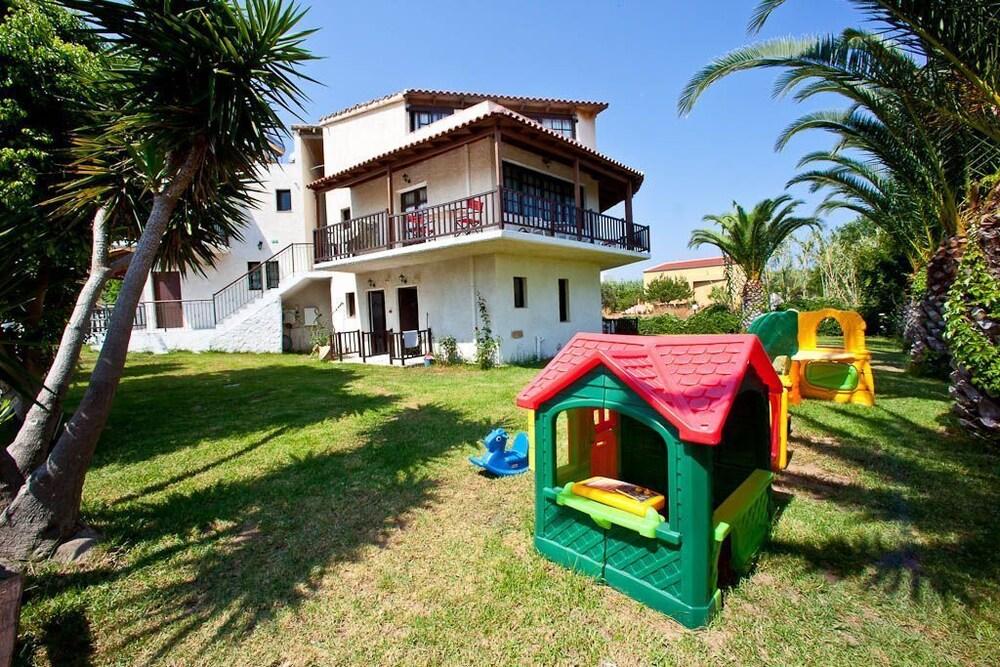 레드라 마레메 호텔(Ledra Maleme Hotel) Hotel Image 72 - Childrens Play Area - Outdoor