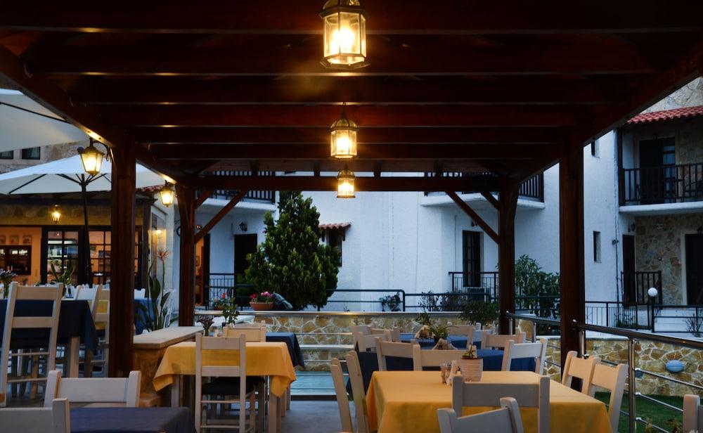 레드라 마레메 호텔(Ledra Maleme Hotel) Hotel Image 79 - Food Court