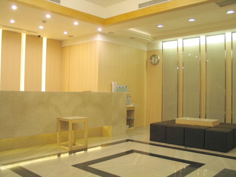 ヨミ ホテル - MRT シュアングリアン ステーション