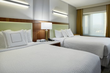 Guestroom at SpringHill Suites by Marriott Las Vegas Convention Center in Las Vegas
