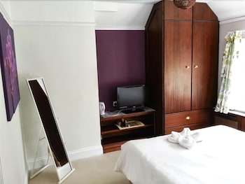 Double or Twin Room, Ensuite (Room 2)